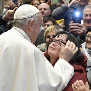 Papa pede orações por si e por Bento XVI