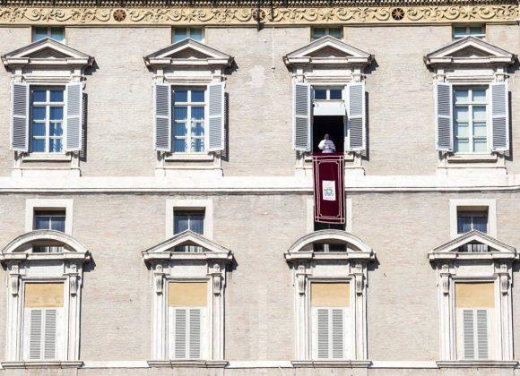«Pela língua começam as guerras», alerta o Papa