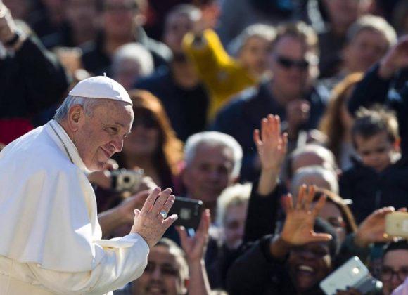 Papa diz que há muitos sinais de um novo Reino