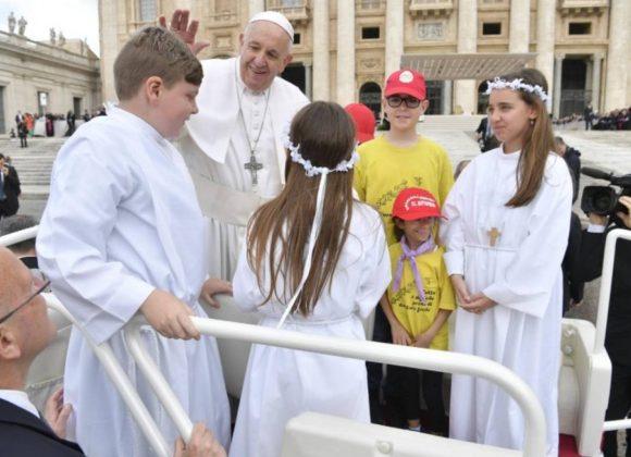 Papa destaca Palavra de Deus que inspira a «superar esquemas»