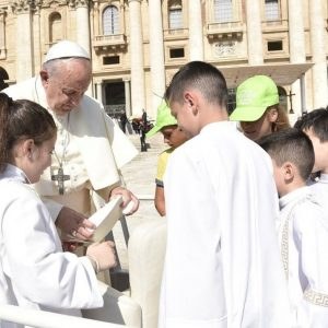 Papa: «Verdade» e «amor» falam a todos